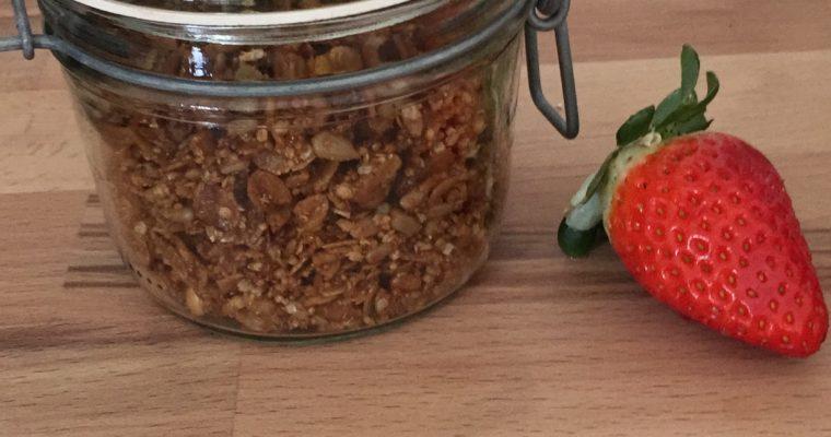 Granola – lecker Knuspermüsli zum Selbermachen