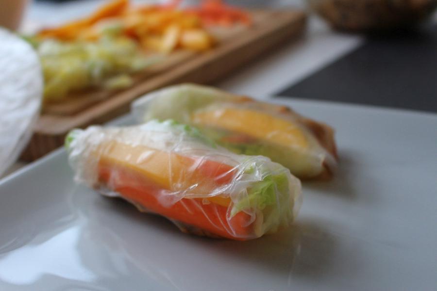 Mango Avocado Sommerrollen – let´s roll!