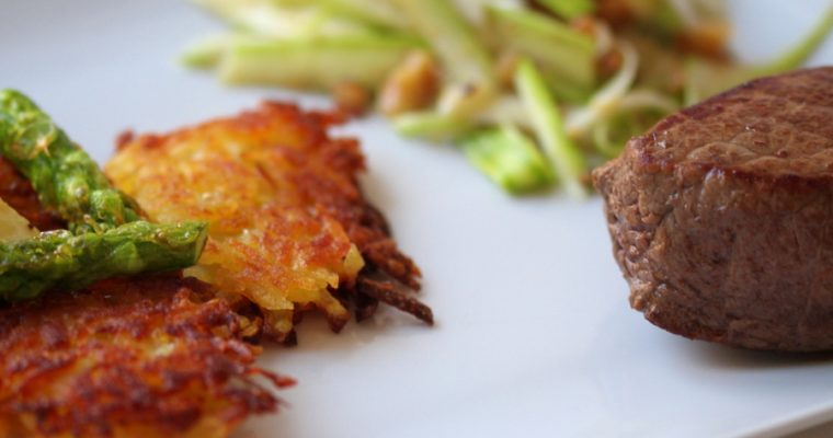 Walnuss-Spargelsalat mit Rösti und Steak: Dinner for Two