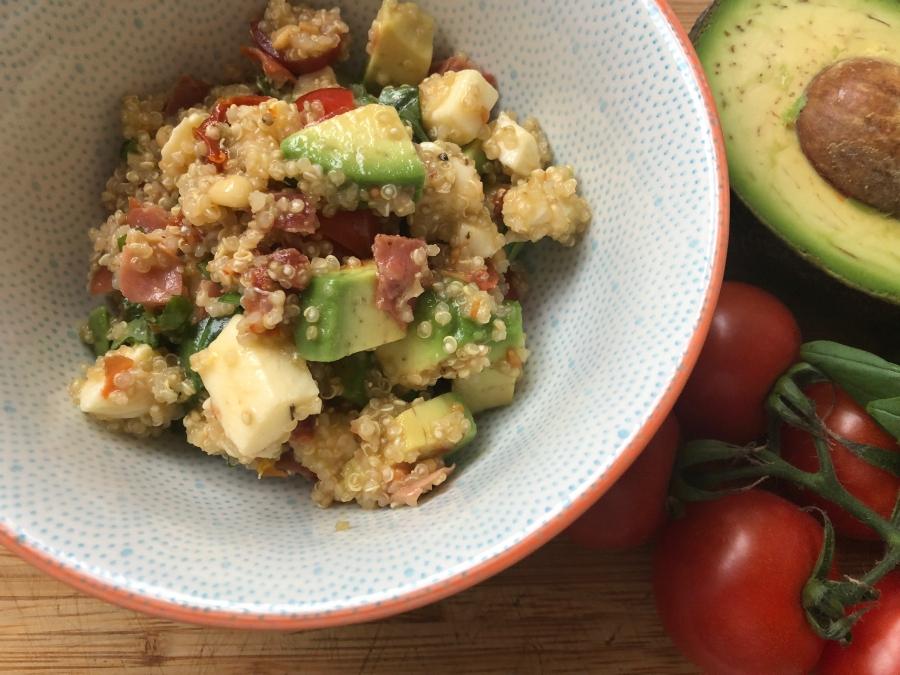 Avocado-Quinoa-Salat, der knackige Energybooster